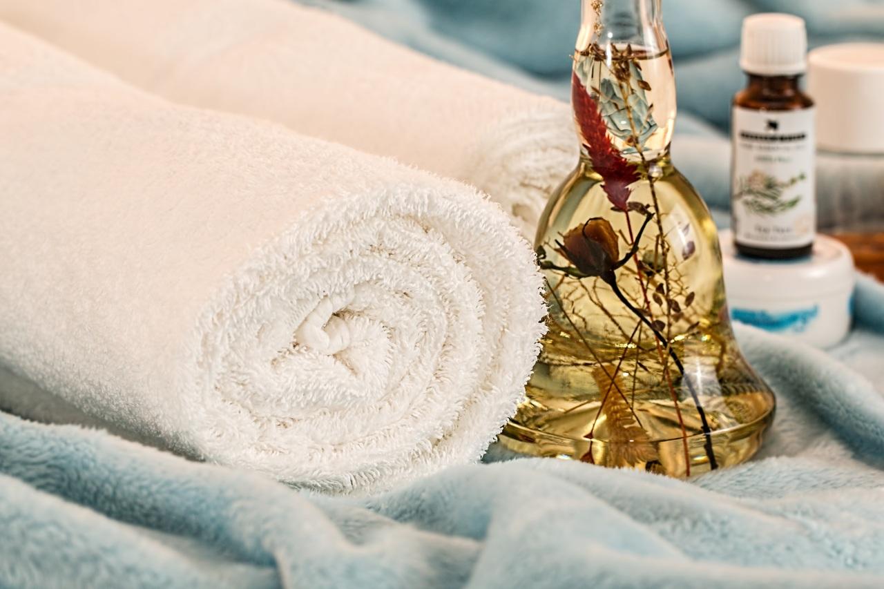 Alternativas naturales al aceite de coco para desmaquillar el rostro