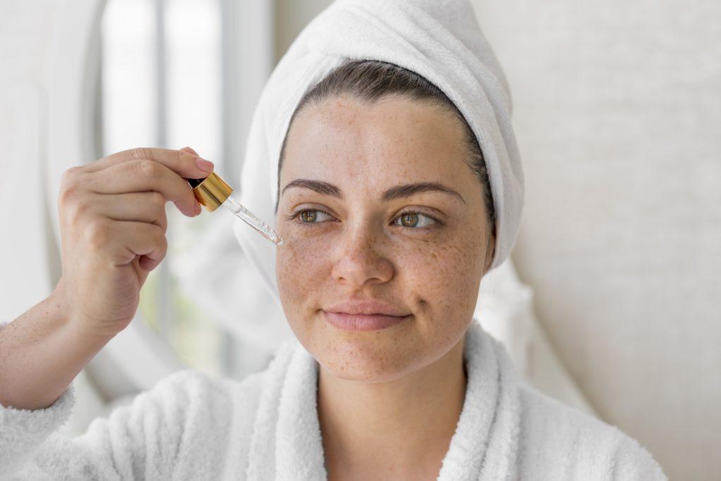 Cómo hacer sérum para piel mixta casero