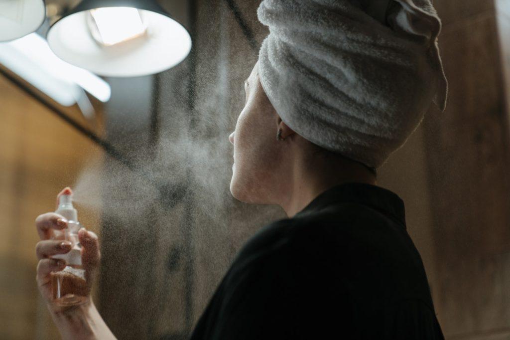 Cómo hacer un tónico facial casero